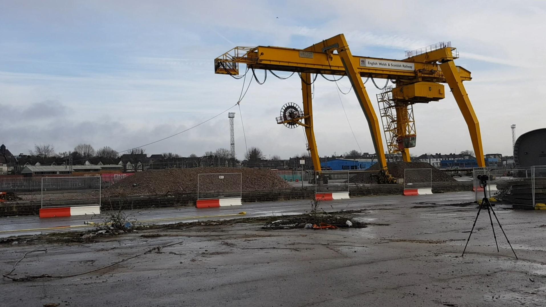 Crane Pull Down Willesden